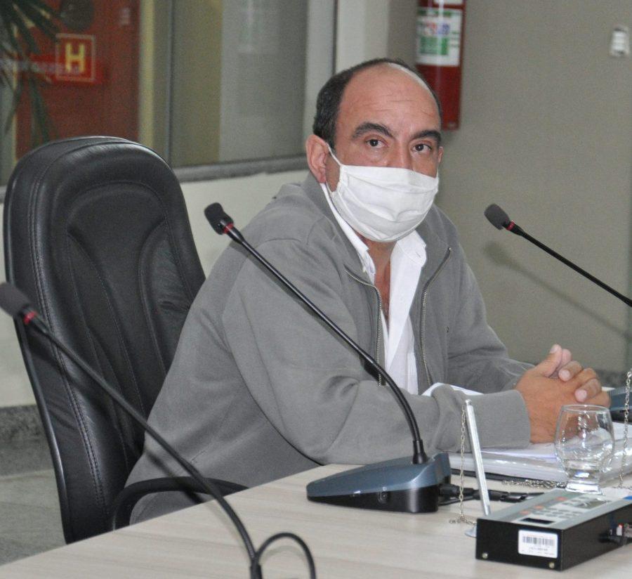Vereador Dr. Rodrigo debate problemas de ligação de água pela copasa